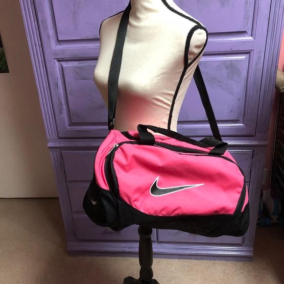 Nike duffel gym bag hot pink. M 5a82233e3800c5c1adde2100 d005aa9fed